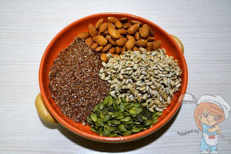 Семена льна, семечки, тыквенные семена, миндаль