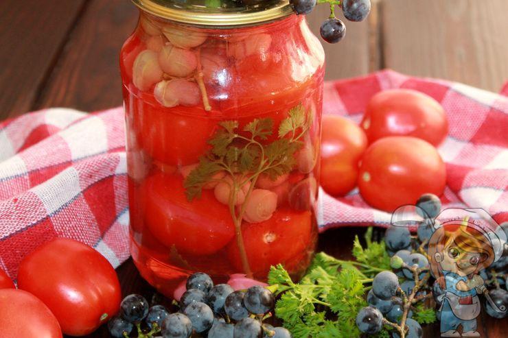 Маринованные помидоры с виноградом - рецепт на зиму