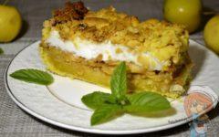 Польский яблочный пирог с безе и крошкой