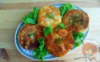Картофельные биточки с сыром и грибами