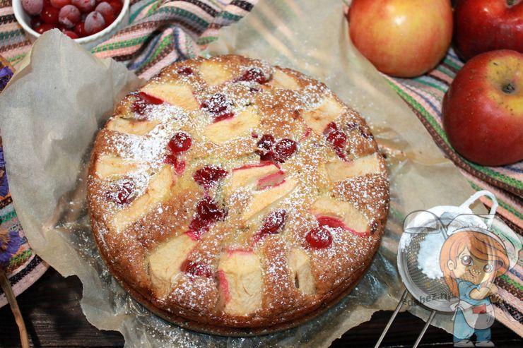 Пирог бретонский яблочный с клюквой