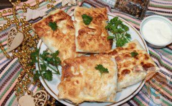 конвертики из лаваша с сыром на сковороде