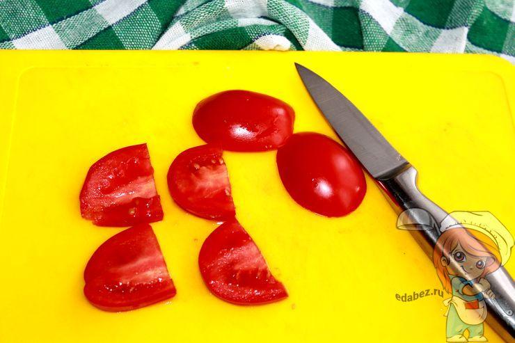 Режу помидоры ломтиками