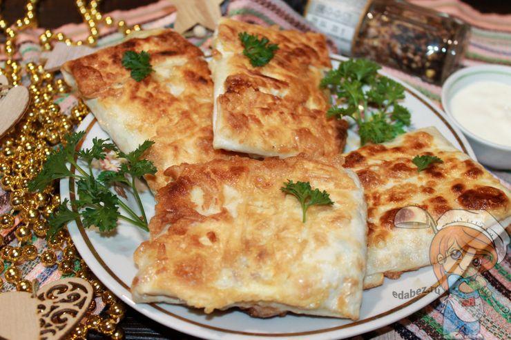 Конвертики из лаваша, обжаренные на сковороде