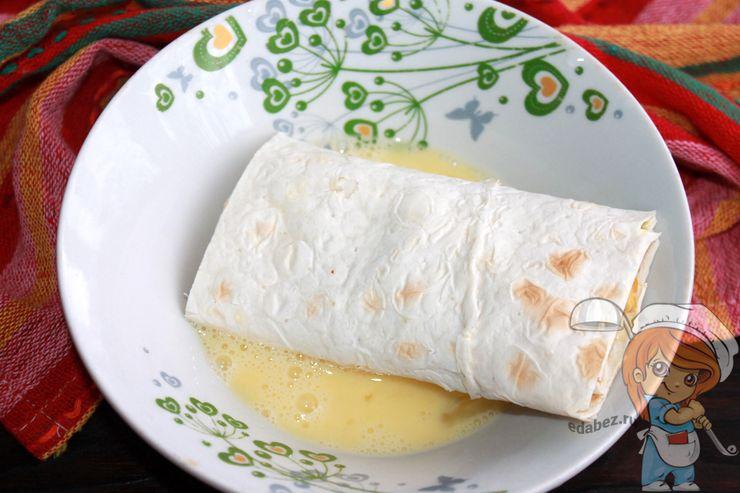 Обмакиваем в яйце