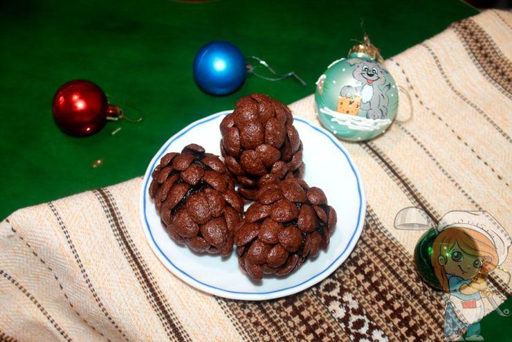 Новогоднее пирожное Шишка