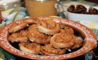 Фаршированные сушки в духовке - фото рецепт