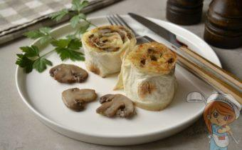 Постный картофель с шампиньонами в рулетиках