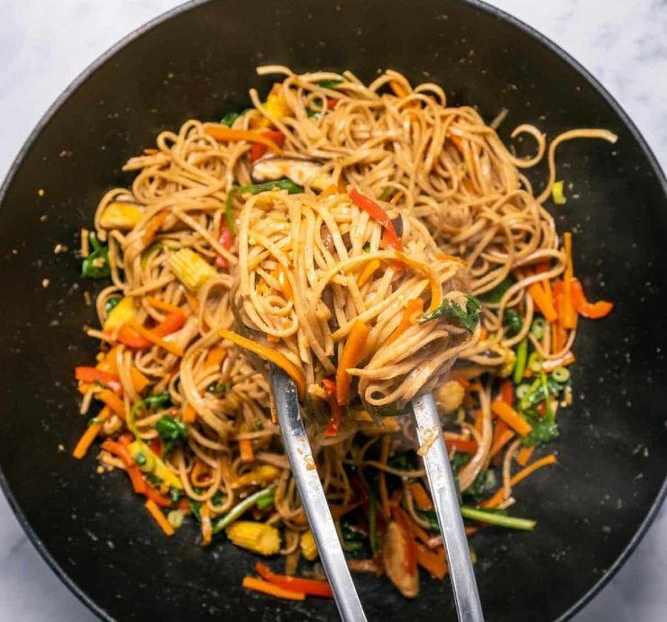 Ло Мейн - китайская лапша. Рецепт без мяса