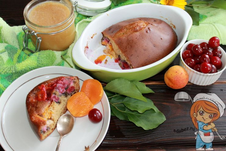 Пирог с вишней и абрикосами в духовке: рецепт с фото